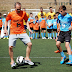 Football: Andres Iniesta gives back to Campus kids. (Photo)