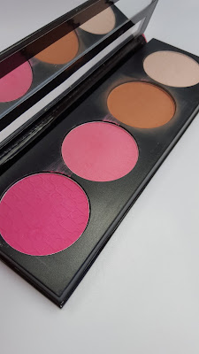 LA Girl blush palette- Pinky