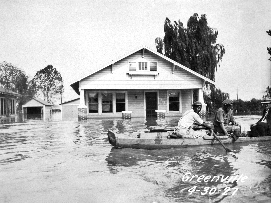 1927 mississippi flood essay The great mississippi flood of 1927 cause and effect essay by cee-cee the great mississippi flood of 1927 an analysis of the impact of the great mississippi flood of 1927 on america.