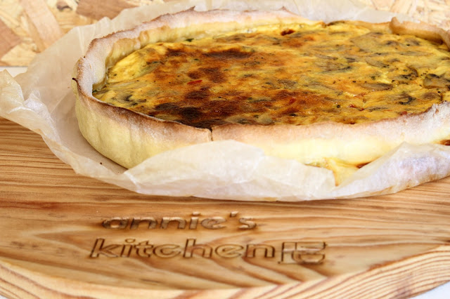 Quiche fit de cogumelos, bacon e cebola