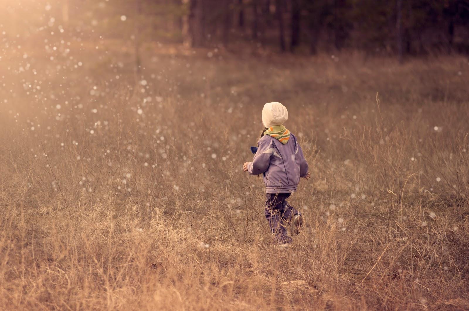 活発な飛んで行く泡の子供