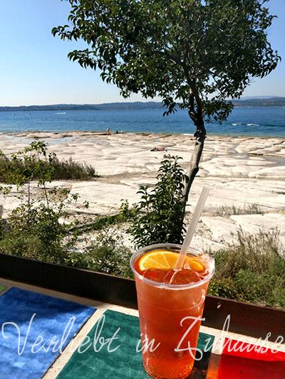 Sommer im Glas: Aperol Spritz mit Orange in Italien