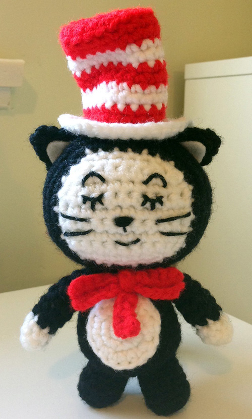 The Cat in the Hat Amigurumi - Free Pattern