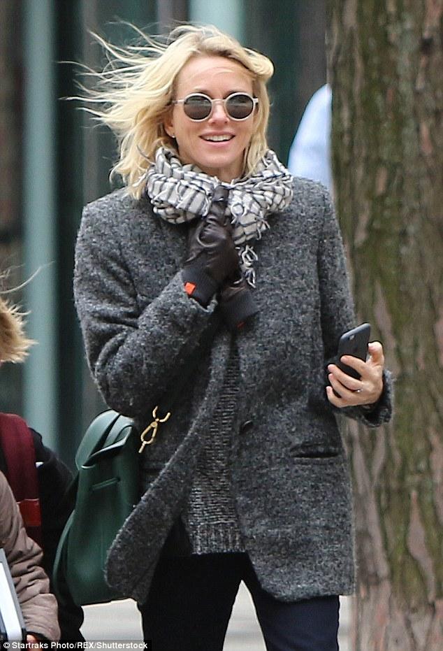 Naomi Watts Wears HONNS