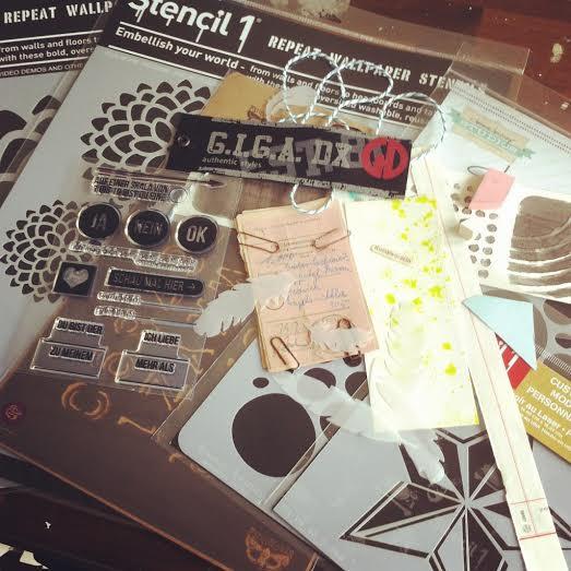 blog wir r umen unseren tisch auf komm spielen. Black Bedroom Furniture Sets. Home Design Ideas