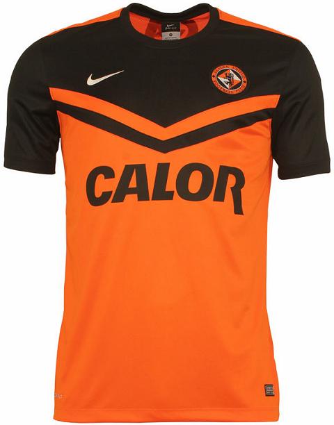 A Nike divulgou a novas camisas que o Dundee United usará na temporada  2014 15 do Campeonato Escocês de futebol. Seu uniforme titular é laranja  tendo as ... c7f25b588d3e2