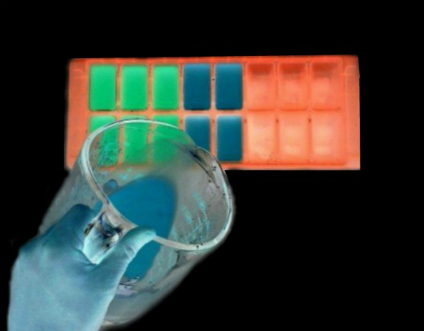 GLOW-IN-THE-DARK ICE CHALK FOR KIDS