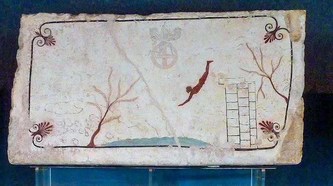 Ευρήματα «δείχνουν» τον «ιδιοκτήτη» στον «Τάφο του Δύτη »στην Ποσειδωνία στην Μ.Ελλάδα