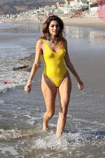 Blanca+Blanco+in+narrow+Yellow+Swimsuit+Sexy+shaved+Pussy+Almost+Visible+WOW+SexyCelebs.in+Exclusive+001.jpg