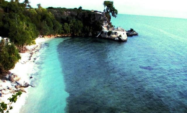 Pantai Dato Majene – Sulawesi Barat