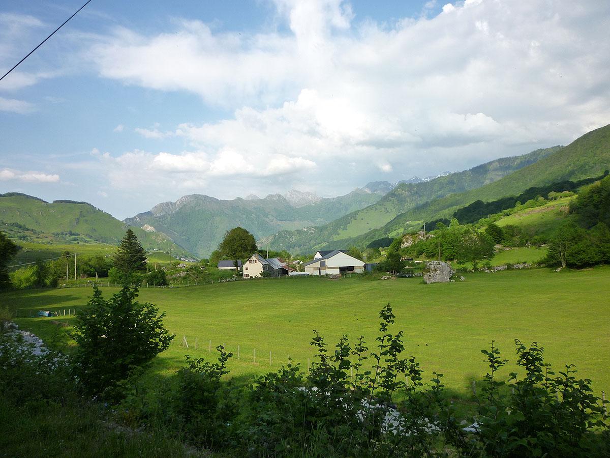 Biarn toust m b arn toujours paysages du cirque de - Office du tourisme pyrenees atlantiques ...