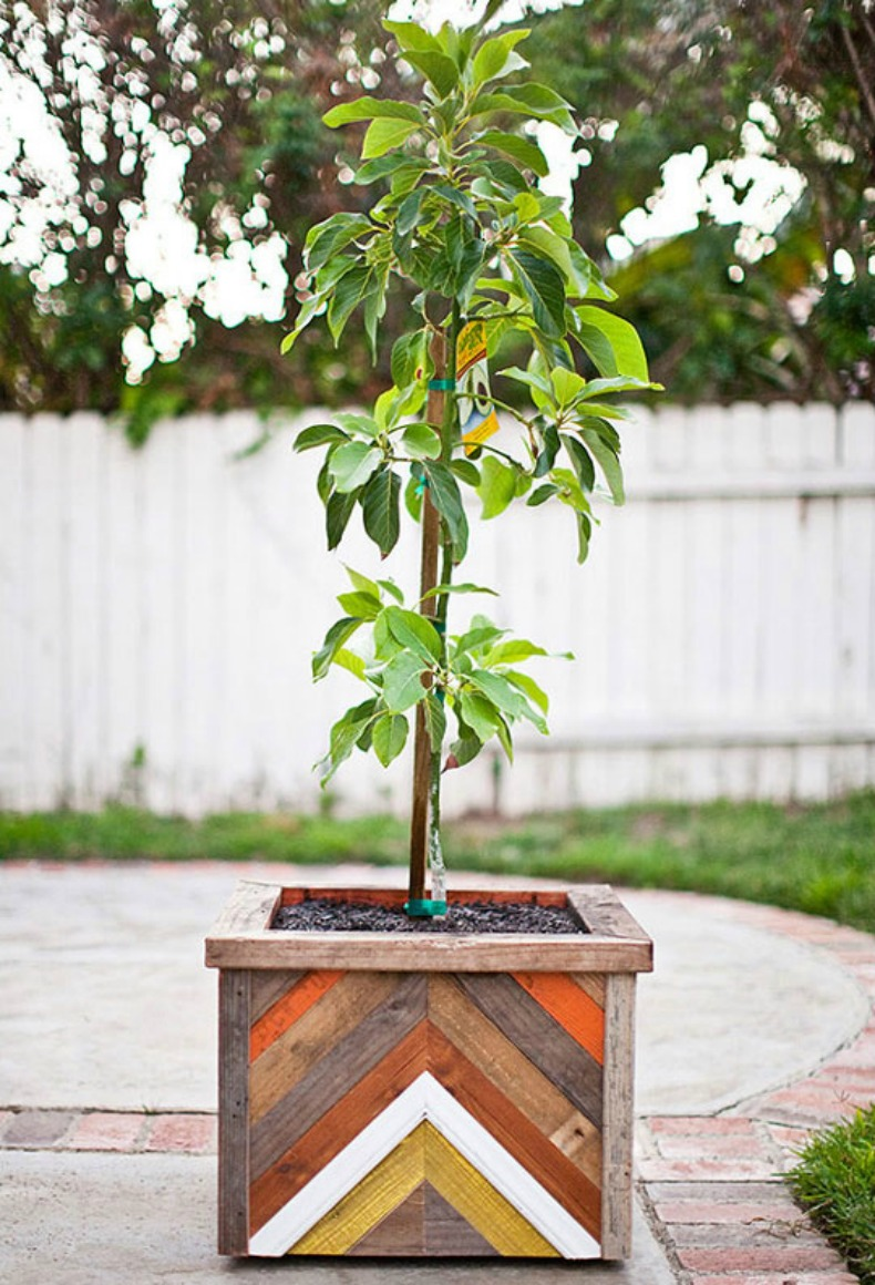 Coastal planter chevron box DIY