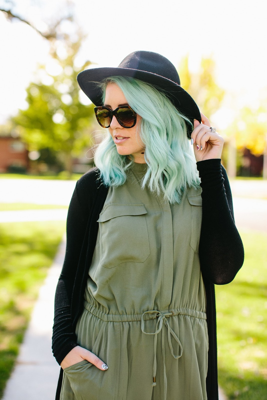 Fall sunglasses. Utah Fashion Blogger, Fall Look