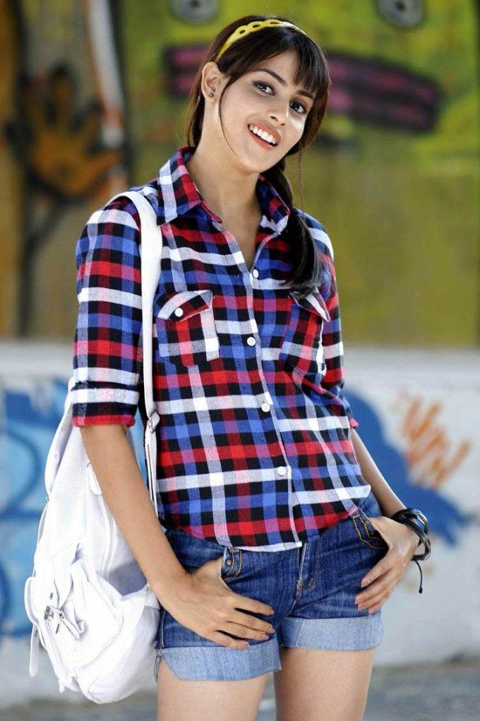 Genelia D'souza Latest Cute Stills | www.shriwallpapers.us.ms