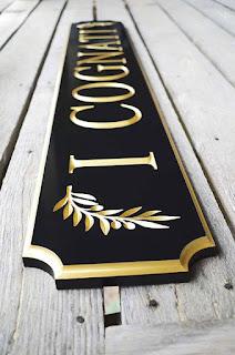 Placa com folha de ouro