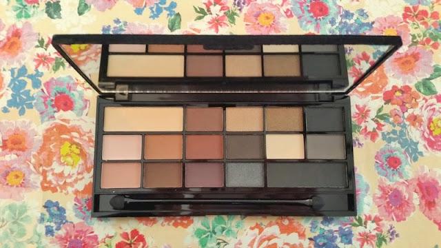 Beauty | Makeup Revolution - Black Velvet Palette