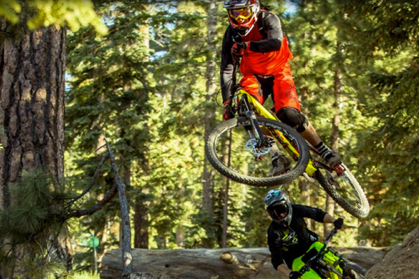 Fox MTB Presents Fox Head Manor feat. Cam McCaul, Tyler McCaul, Kyle Strait, Kirt Voreis