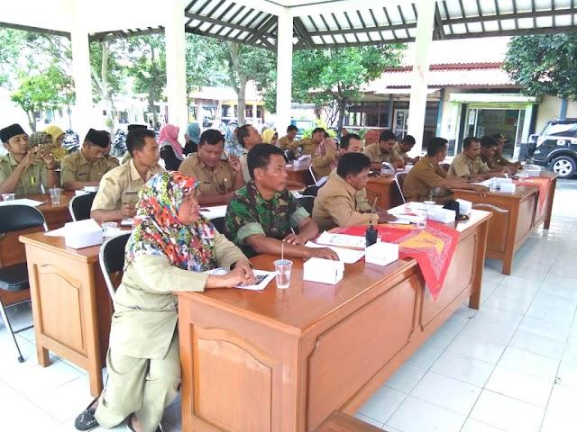 Babinsa dan Babinkamtibmas akan diikutkan sebagai pendamping verifikasi dan validasi data kemiskinan wilayah Kecamatan Lebaksiu