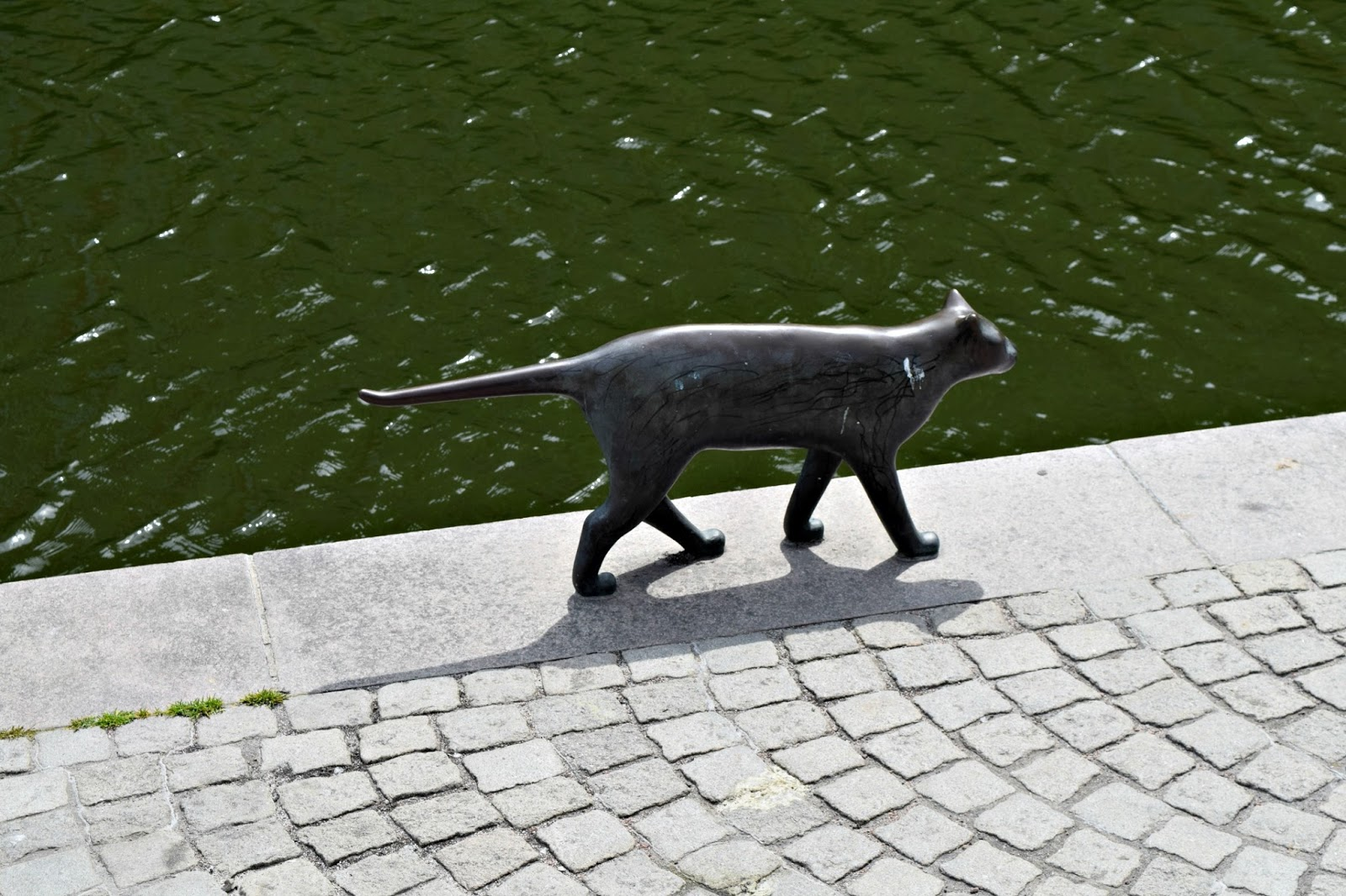 Cat statue in Malmo Sweden