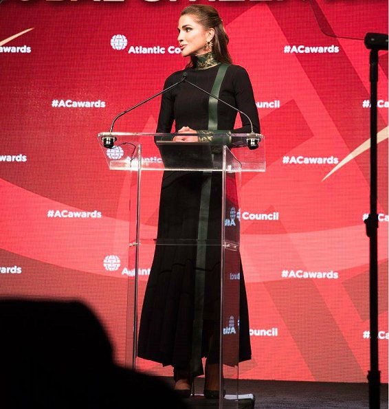 Queen Rania presented the Atlantic Council Global Citizen Award to Canadian Prime Minister Justin Trudeau in an award ceremony in NYC