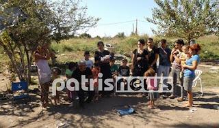 Σε βαγόνι και στο χώμα κοιμούνται 12 παιδιά στη Ζαχάρω