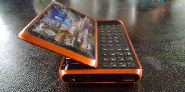 Communicator dan Aplikasi Penyelamat Data