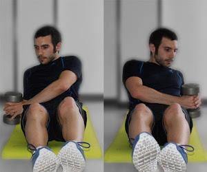 Abdominales y ejercicios básicos - Sentadillas con placa de peso