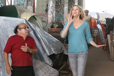 Kaitlin Olson and Danny DeVito in It's Always Sunny in Philadelphia Season 12 (7)