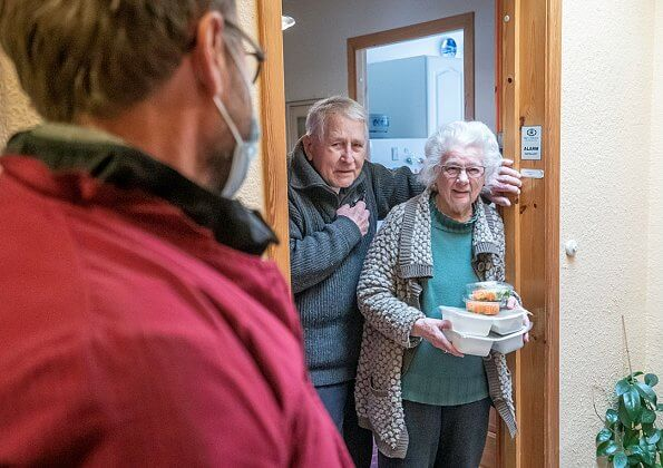 In Oslo, the Church City Mission now offers home delivery of food to the elderly. Chief Security Officer Ellen Nykaas