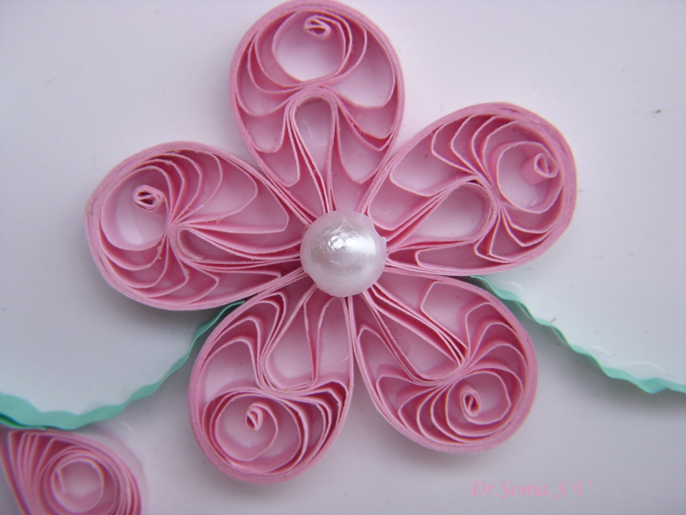 Cards crafts kids projects quilled card and pop up card for Quilling how to