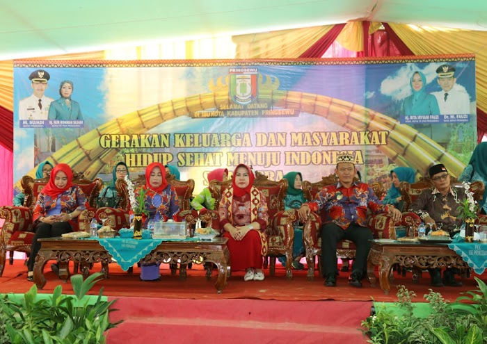Warga Pringsewu Ramaikan Lomba Kesrak PKK-KKBPK-Kesehatan Provinsi Lampung