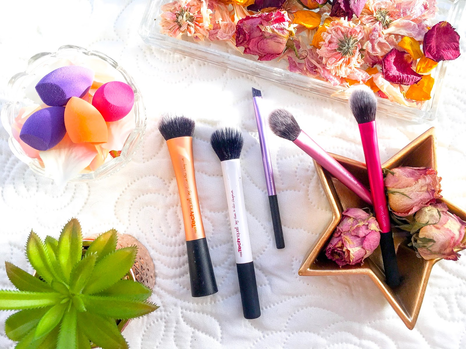 best real techniques brushes, best affordable makeup brushes, the only makeup brushes you need, top budget brushes for makeup, real techniques expert face brush, real techniques setting brush, real techniques brow brush, real techniques mini miracle makeup sponges, real techniques duo fiber contour brush