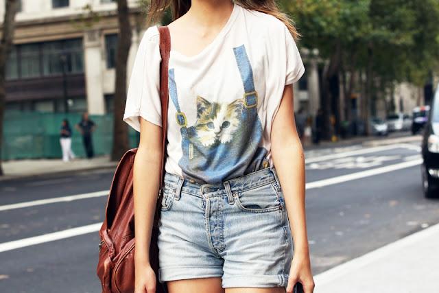 salopette sur un t)shirt