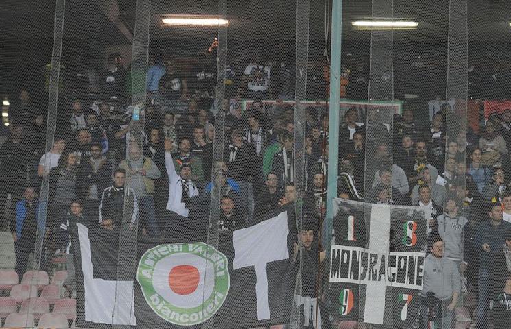 Bez Juventusovih navijača u derbijima sa Napolijem