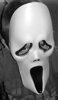 Tutorial: jak w prostu sposób uszyć strój ducha na Halloween