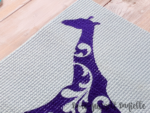 How To Make A Reversible Mouse Pad With An Upcycled Yoga