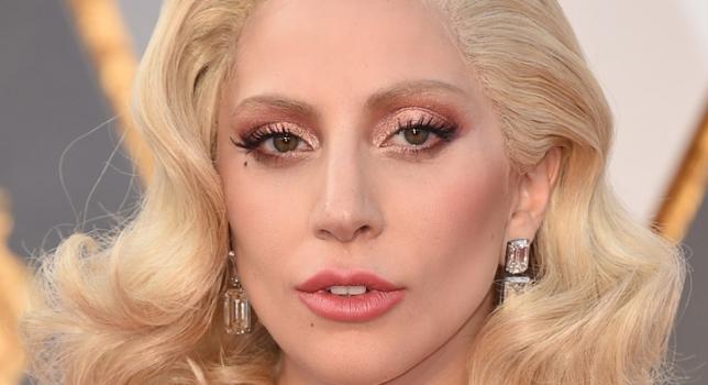 La Grand-mère et la tante de Lady Gaga ont appris le viol de la chanteuse après sa performance aux Oscars