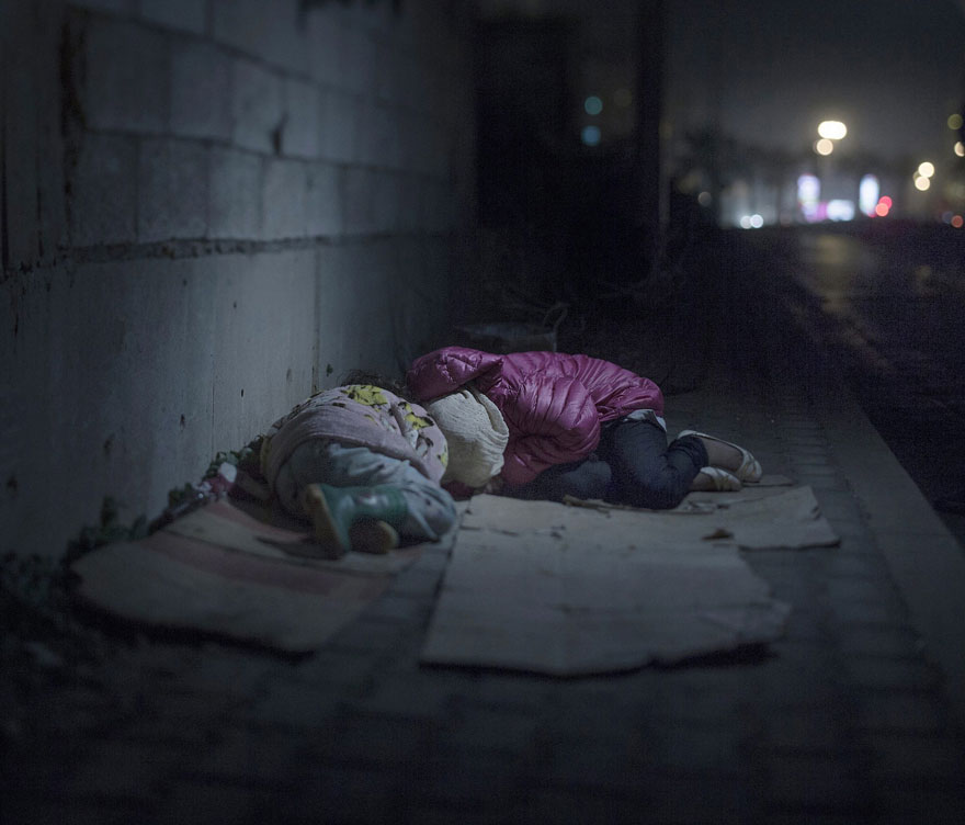Photographer Reveals The Heartbreaking Places Syrian Refugee Children Sleep - Ralia, 7 and Rahaf, 13 years old, Beirut