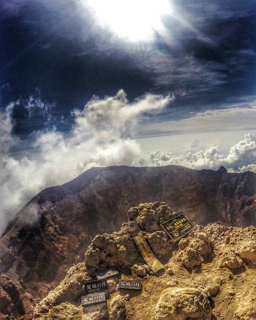 foto puncak gunung agung