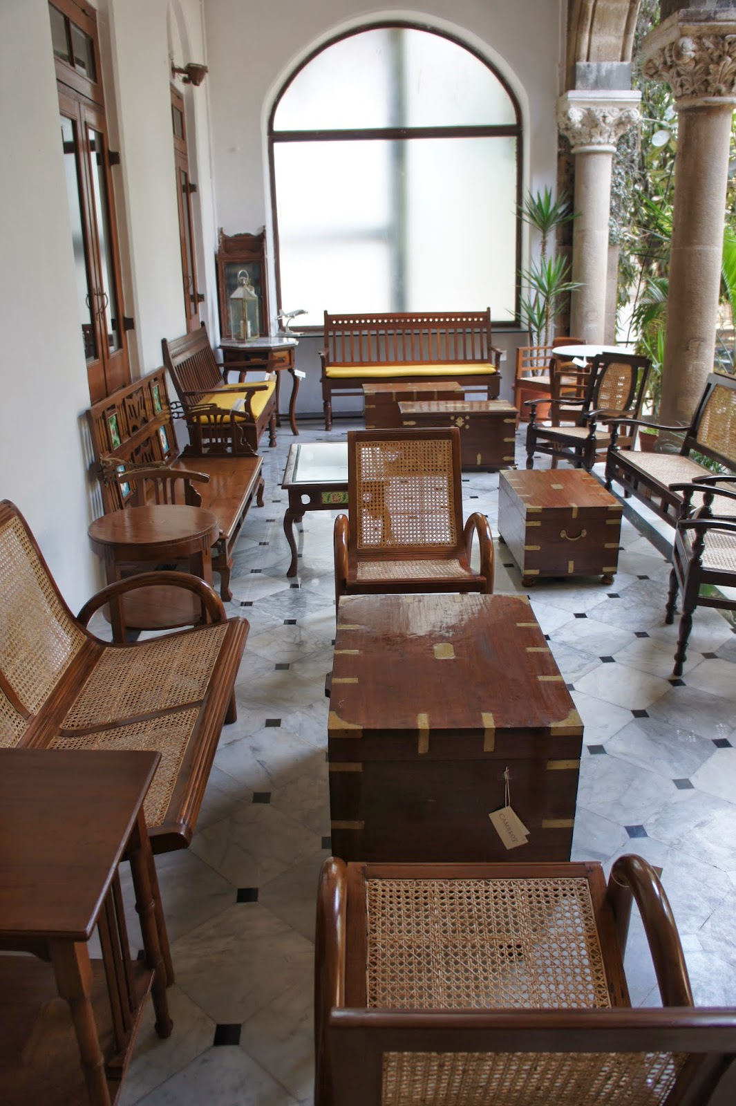 Revolving Chair Manufacturers In Mumbai Nail Salon Chairs Bombayjules Return To Camelot And A New Del Trotter Bar