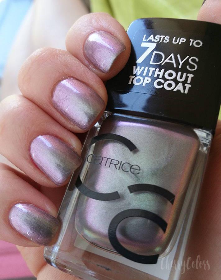 Catrice ICONails Gel Lacquer  beetlejuice