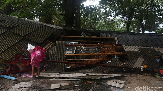 Karyawan PLN Korban Selamat Tsunami Banten Dibawa ke Jakarta