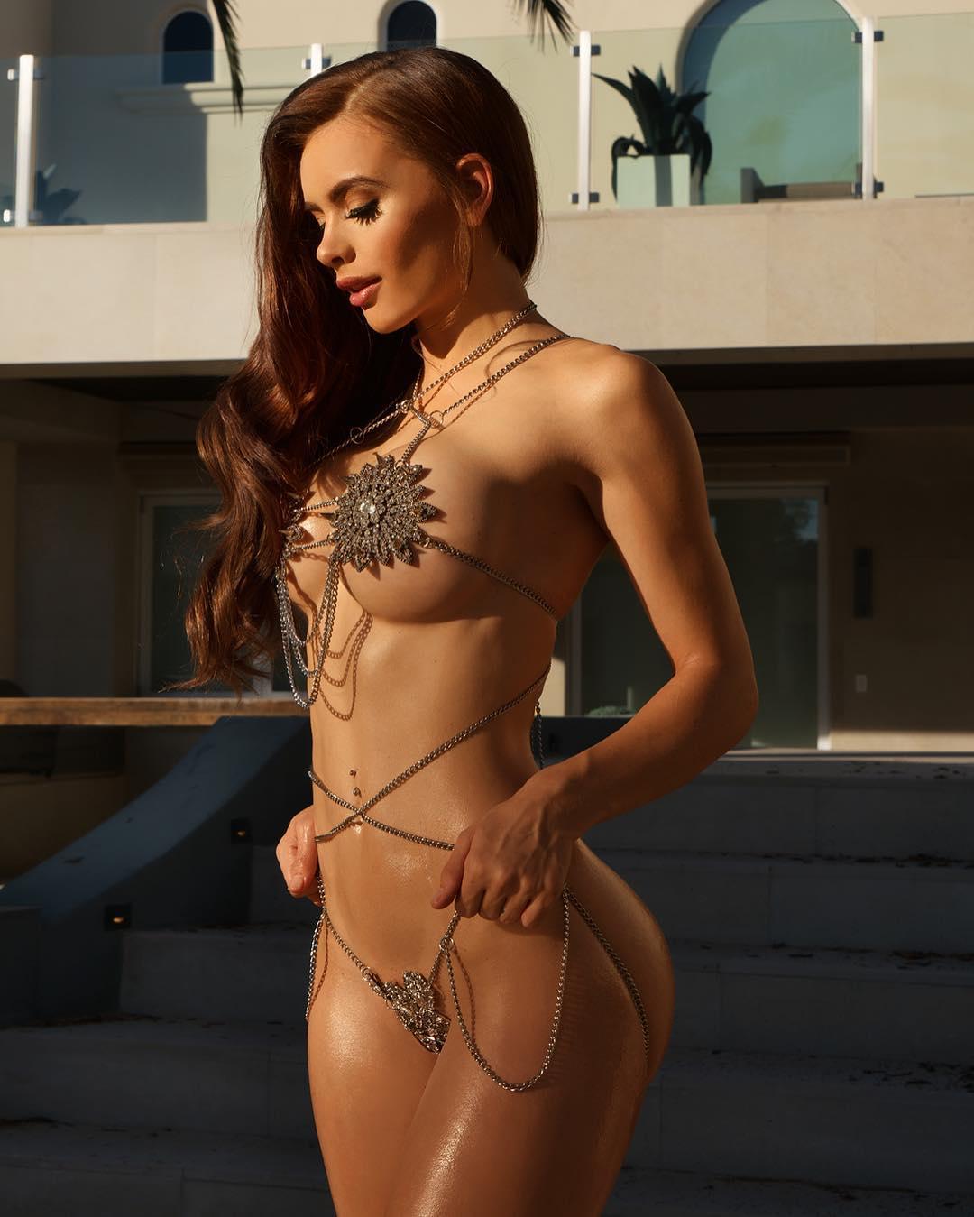 Allison Parker Hot she got nice curves: allison parker 22