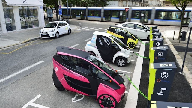 ¿Cuántos puntos de recarga para coches eléctricos tiene España? | Datos Comunidades Autónomas | Objetivos de futuro