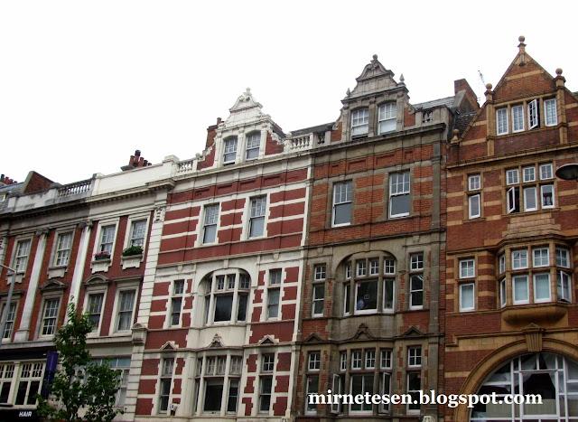 Лондон - голландские дома на Кенсингтон-Хай-Стрит