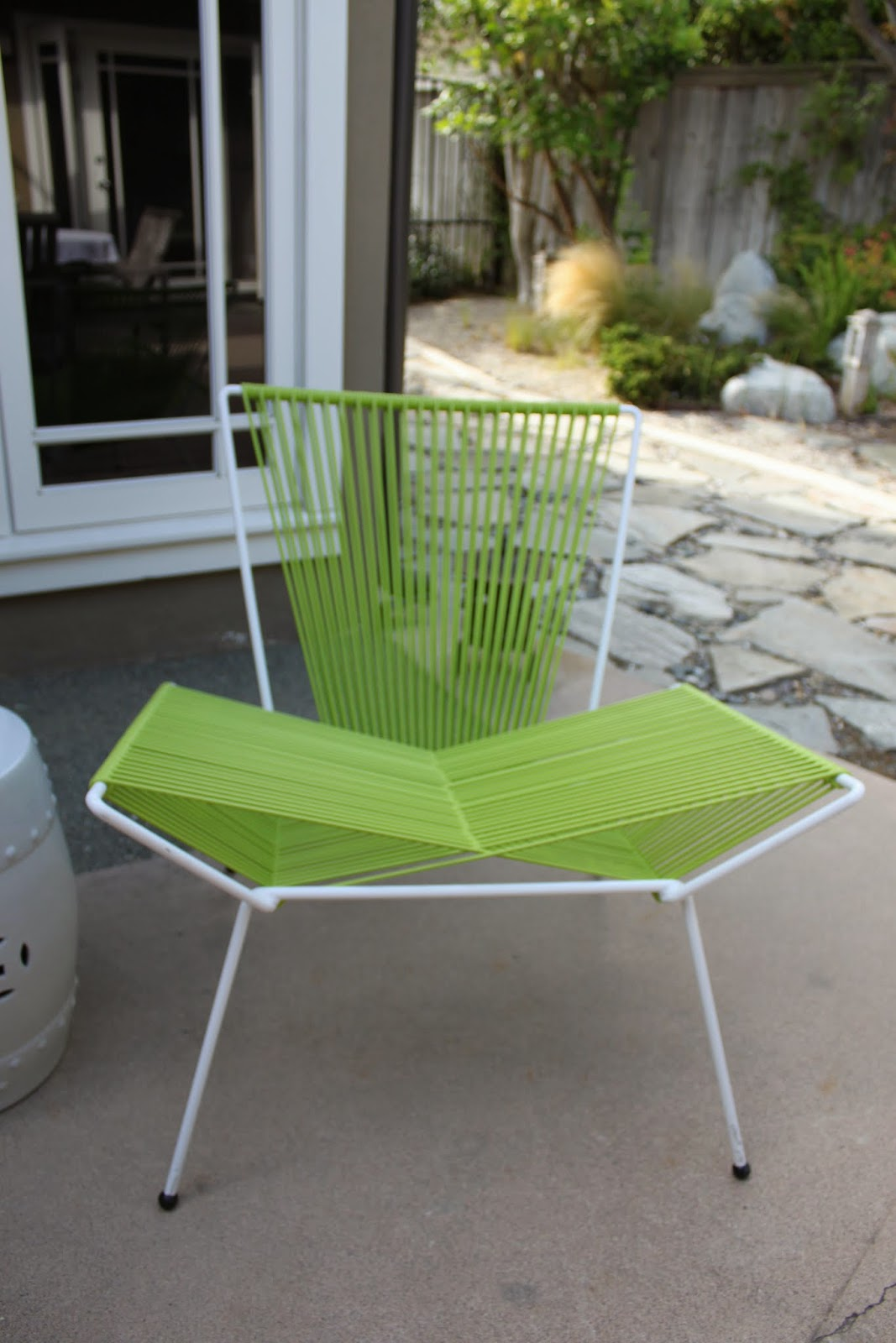 Mid Century Patio Chairs Spiffing Up A Mid Century Modern Patio Mid Century