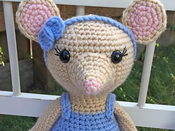 Amigurumi Ballerina Mouse - A Free Crochet Pattern