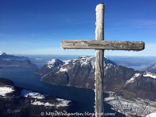 Gipfelkreuz Fronalpstock