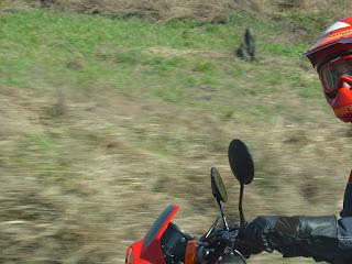 xl%2Bna%2Bestrada - As duas mochilas do motociclista...
