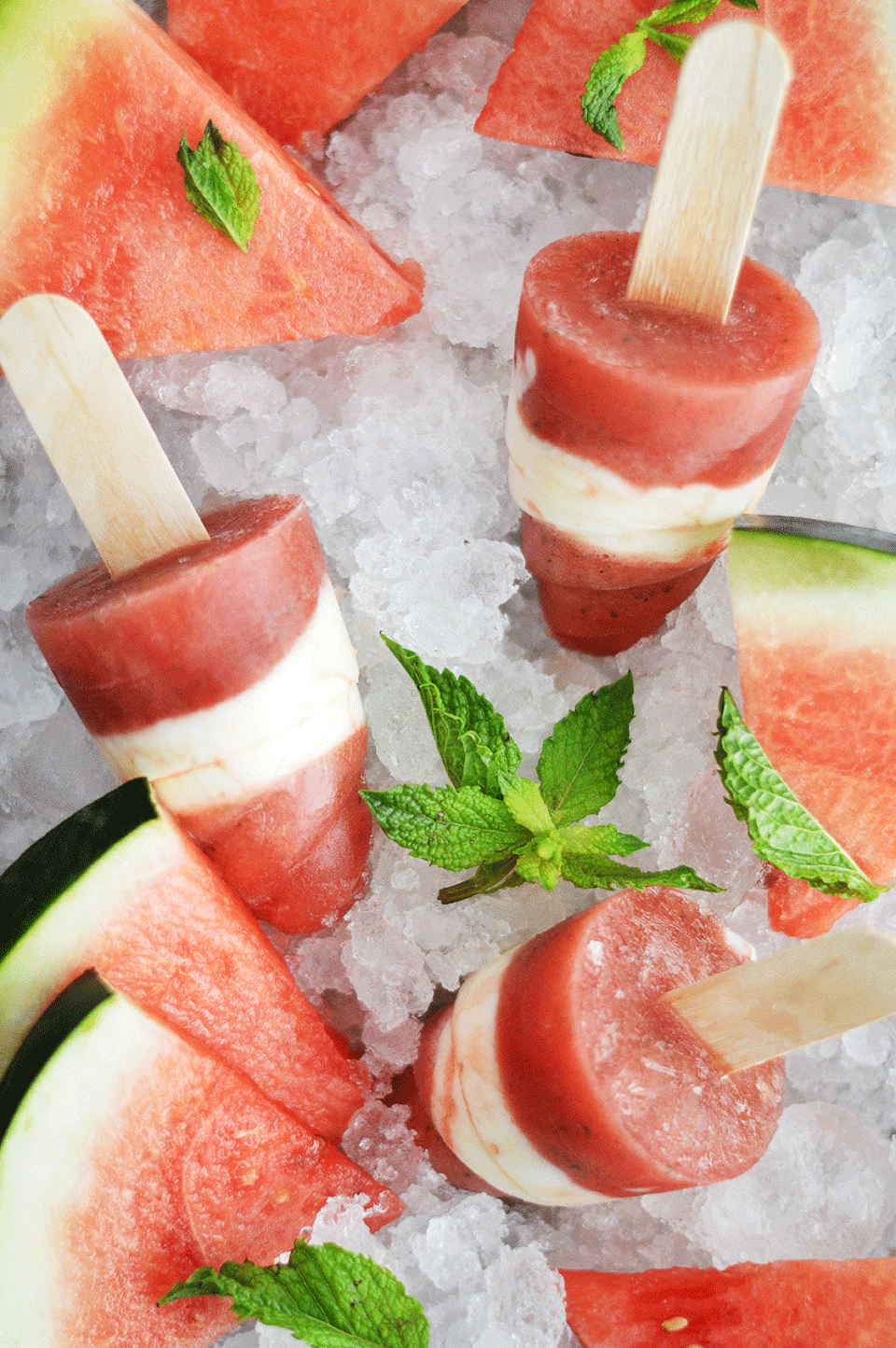 Watermelon, Mint and Greek Yoghurt Popsicles  | https://oandrajos.blogspot.com